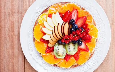 Tarta de frutas y crema de almendras